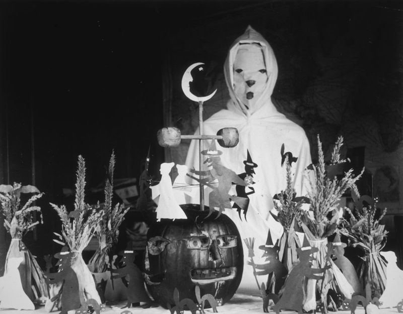 ghost costume decorations
