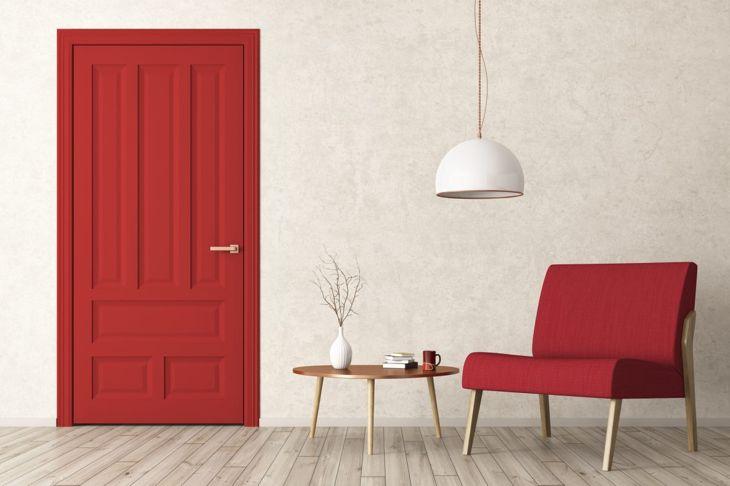 A bright color contrast creates a memorable impression.