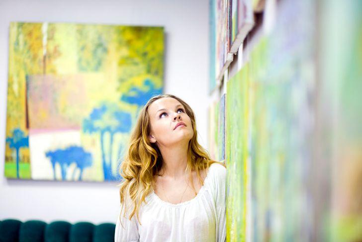 Female artist of paintings