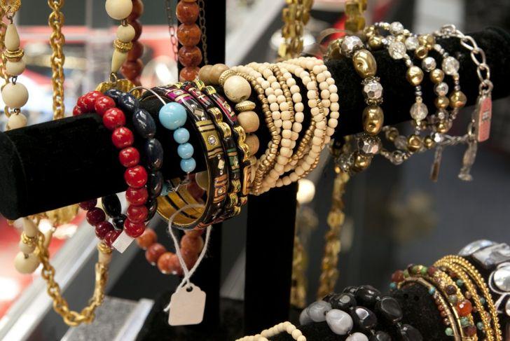 costume jewelry rack