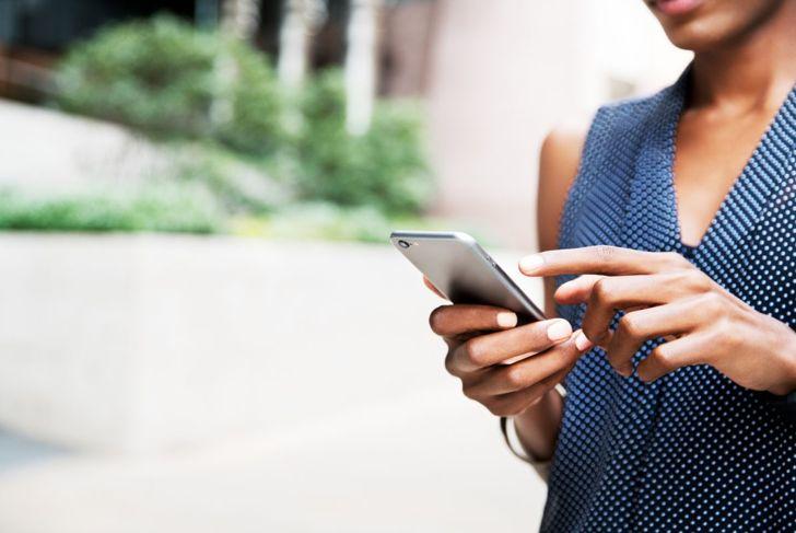 iphone woman screen