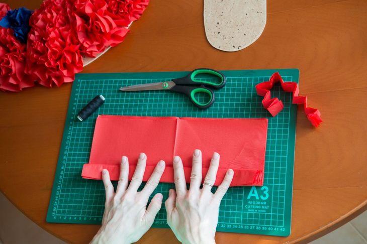 Tissue paper flowers fold tissue paper