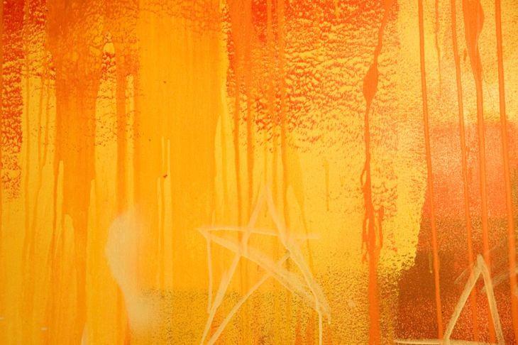 spray water glob drip painting