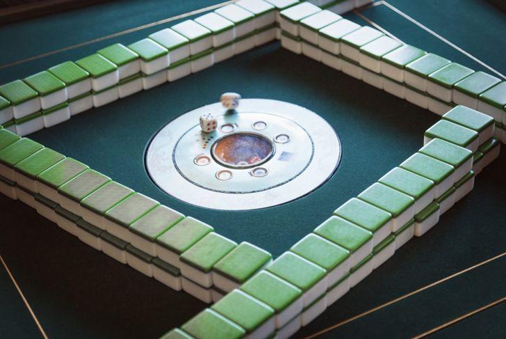 Mahjong walls