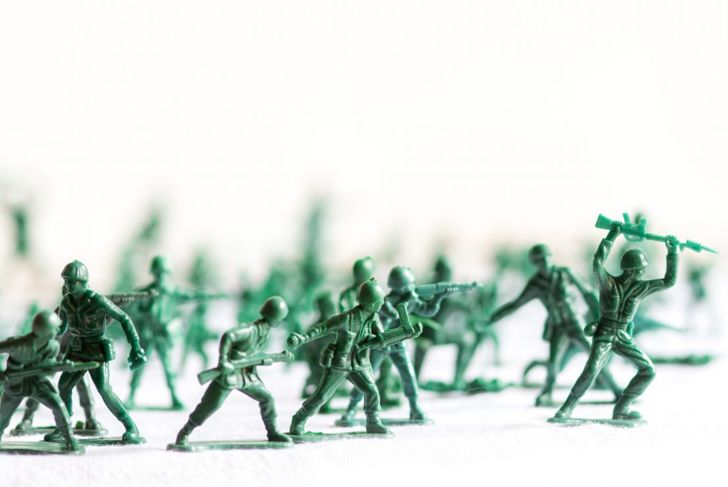 Army men work well with Elf on the Shelf