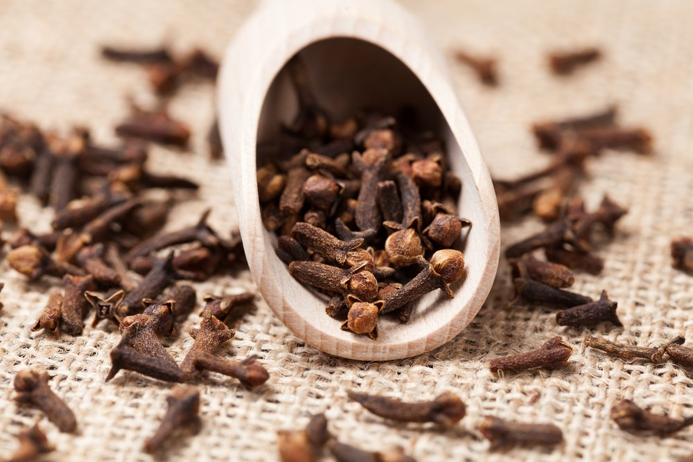 cloves sore throat