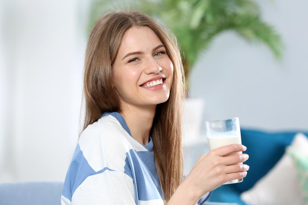 rehydrates milk