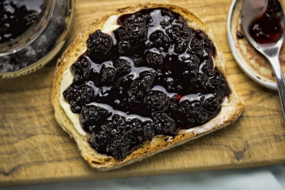 bones eat blackberries