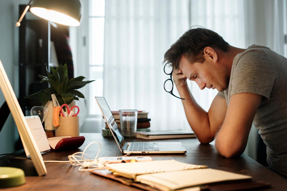 The symptoms of a hemiplegic migraine