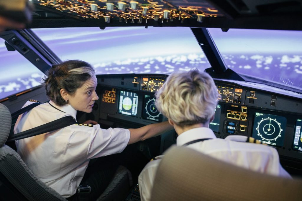 how much do airline pilots make