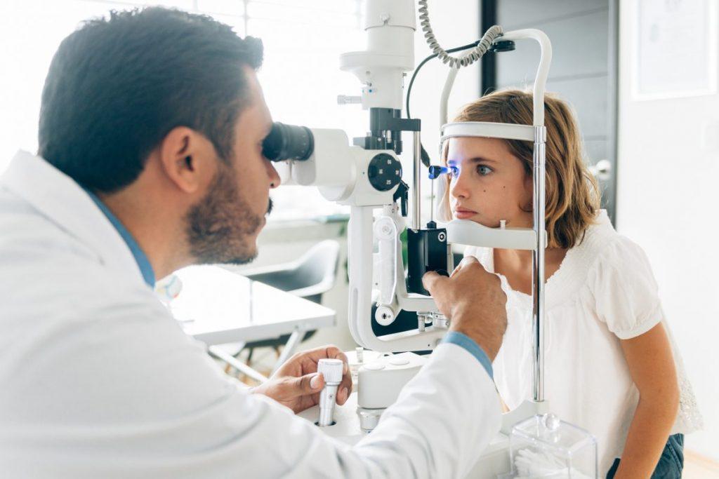 diagnosing inflamed iris