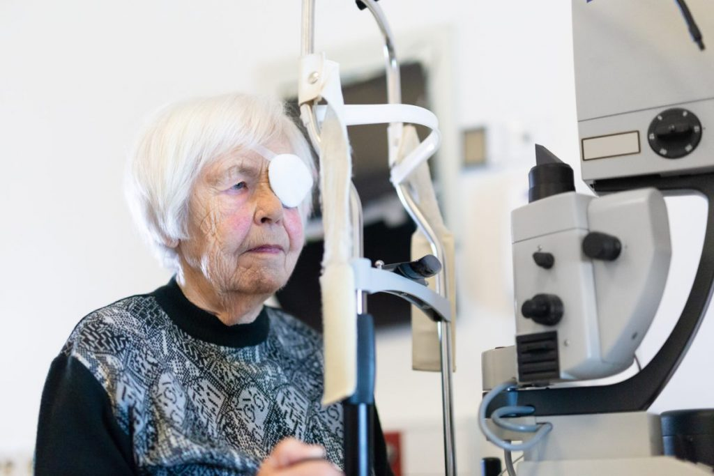 what are the treatments for Diplopia