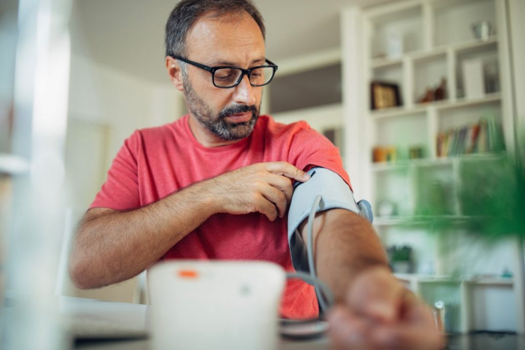 measuring at home normal blood pressure