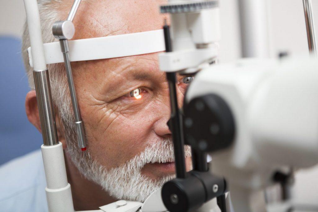 eye examination ophthalmologist