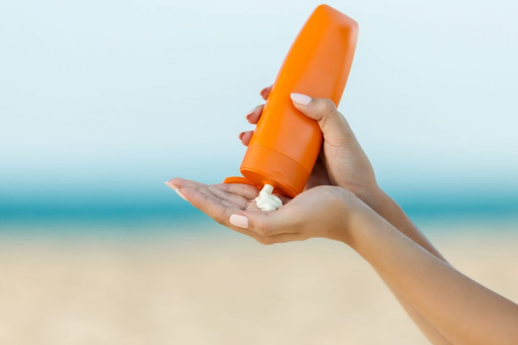 prevention sunscreen bathing
