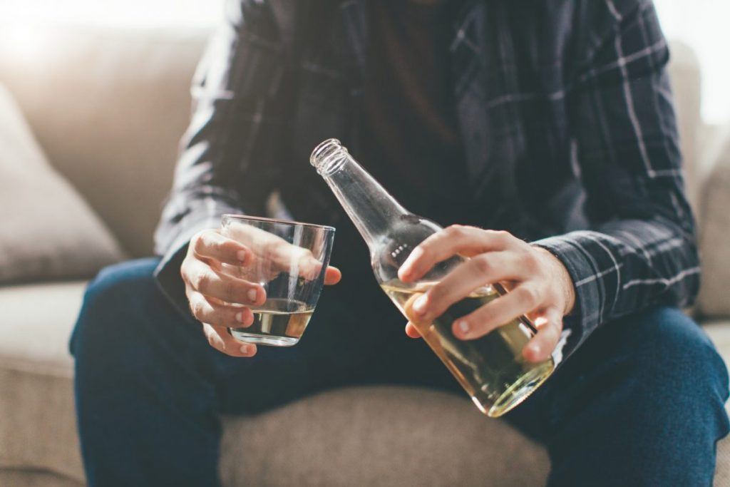 alcohol depressive symptoms