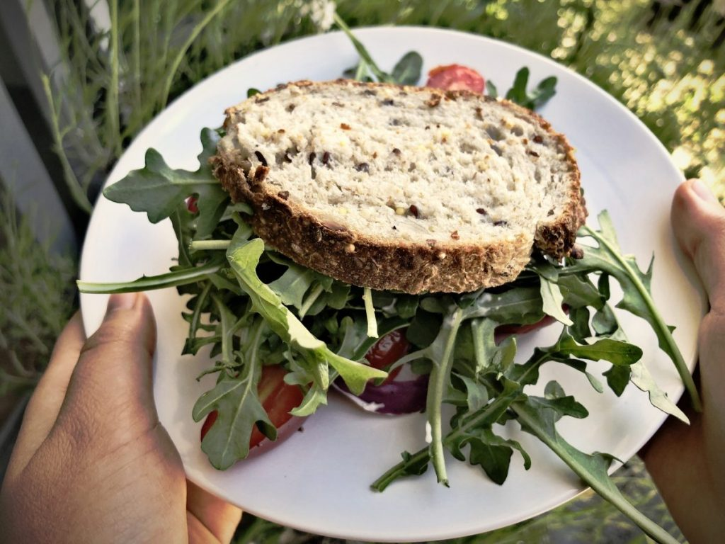 sprouted grain bread fiber