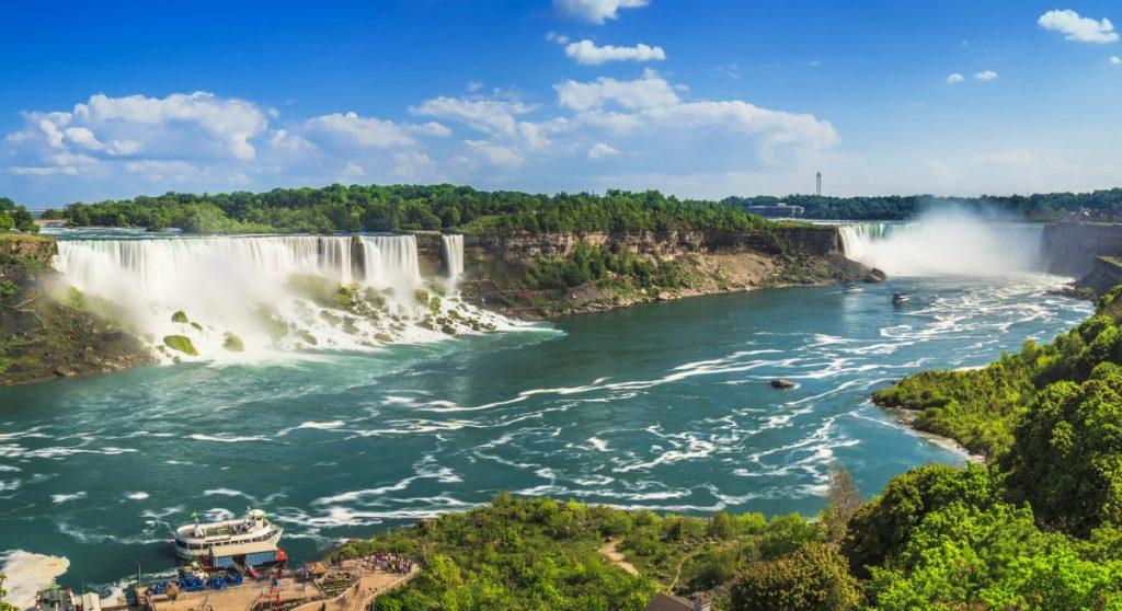 mist Niagara Falls