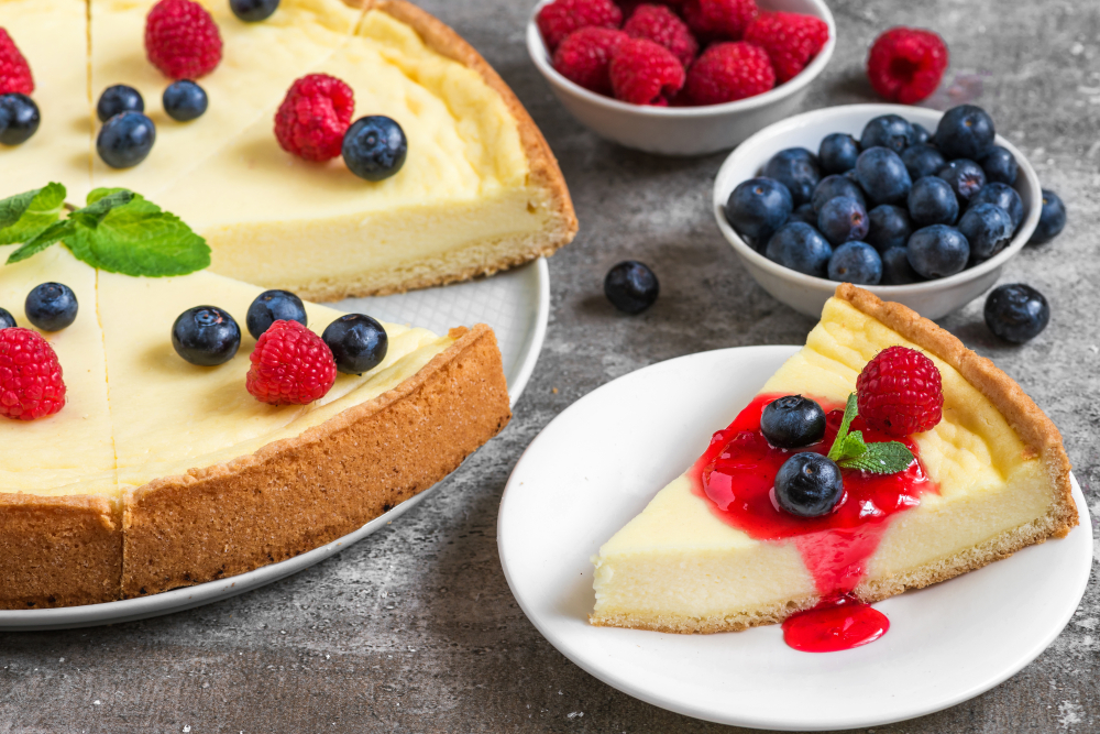 slice cheesecake