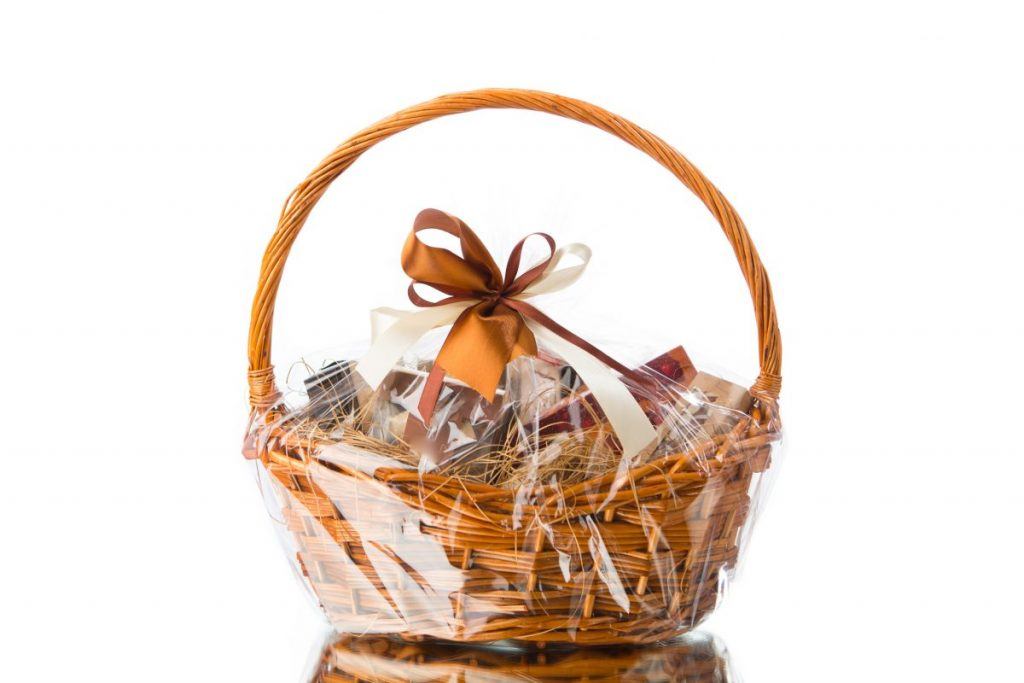 gift hamper basket ribbon