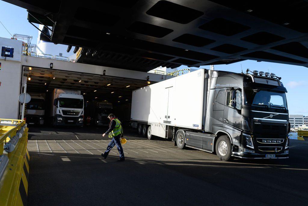 dangerous jobs truck driving