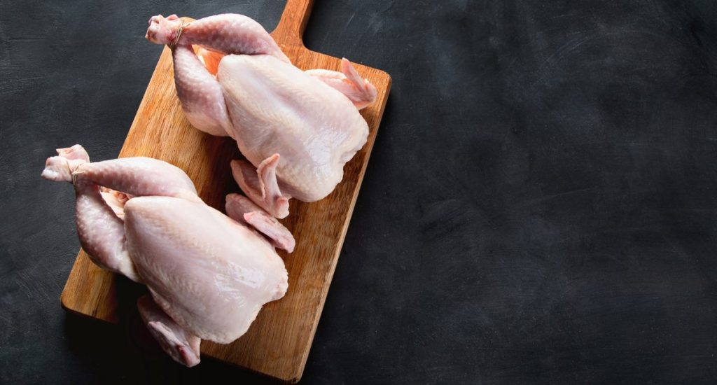 prepare whole chicken baking