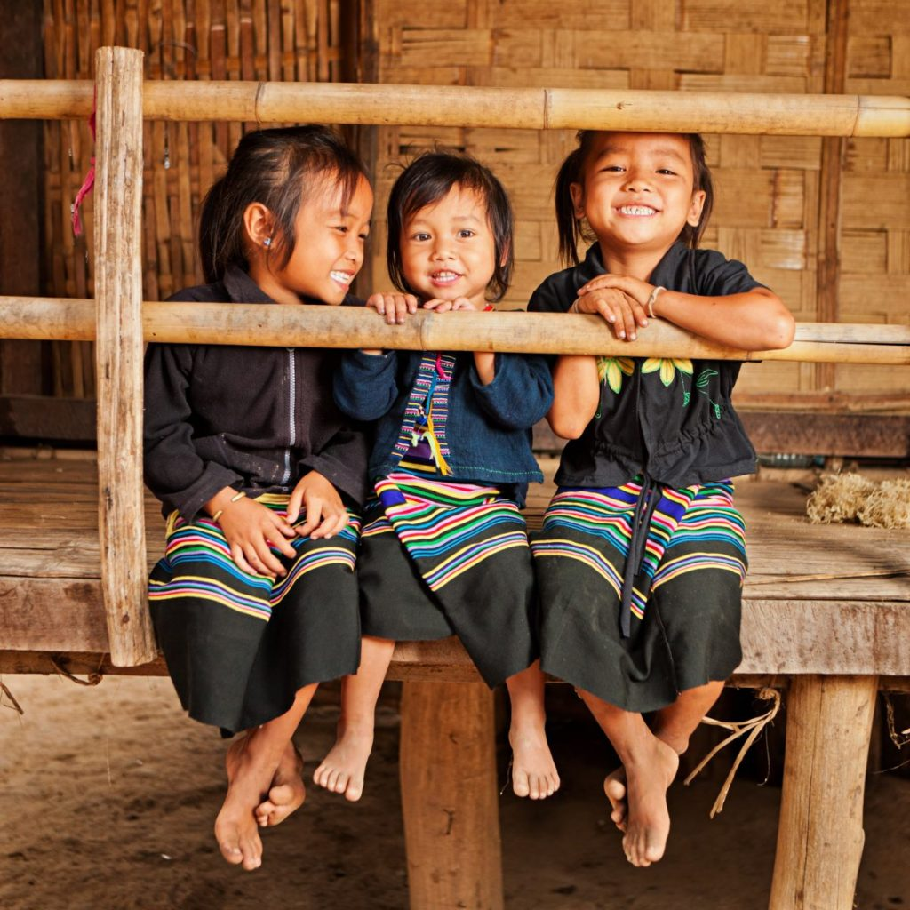 laos people friendly tourism