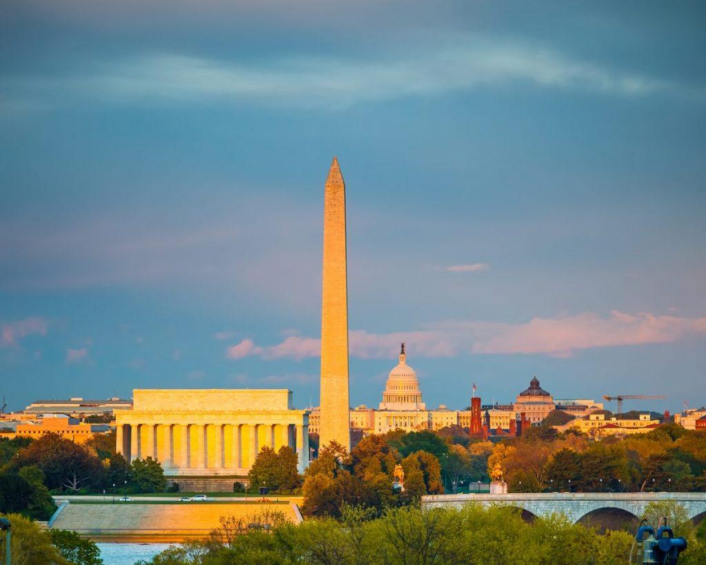 Capitol Building, Lincoln Memorial