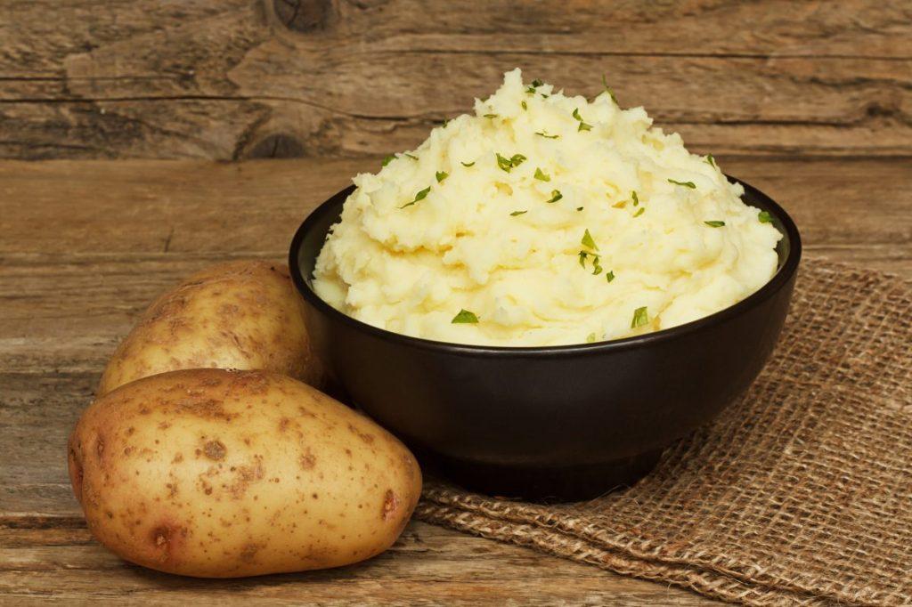mashed potatoes salisbury steak