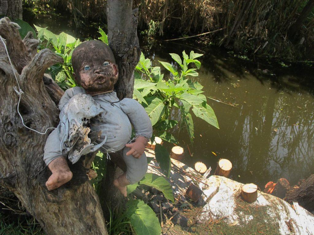 island of dolls Xochimilco