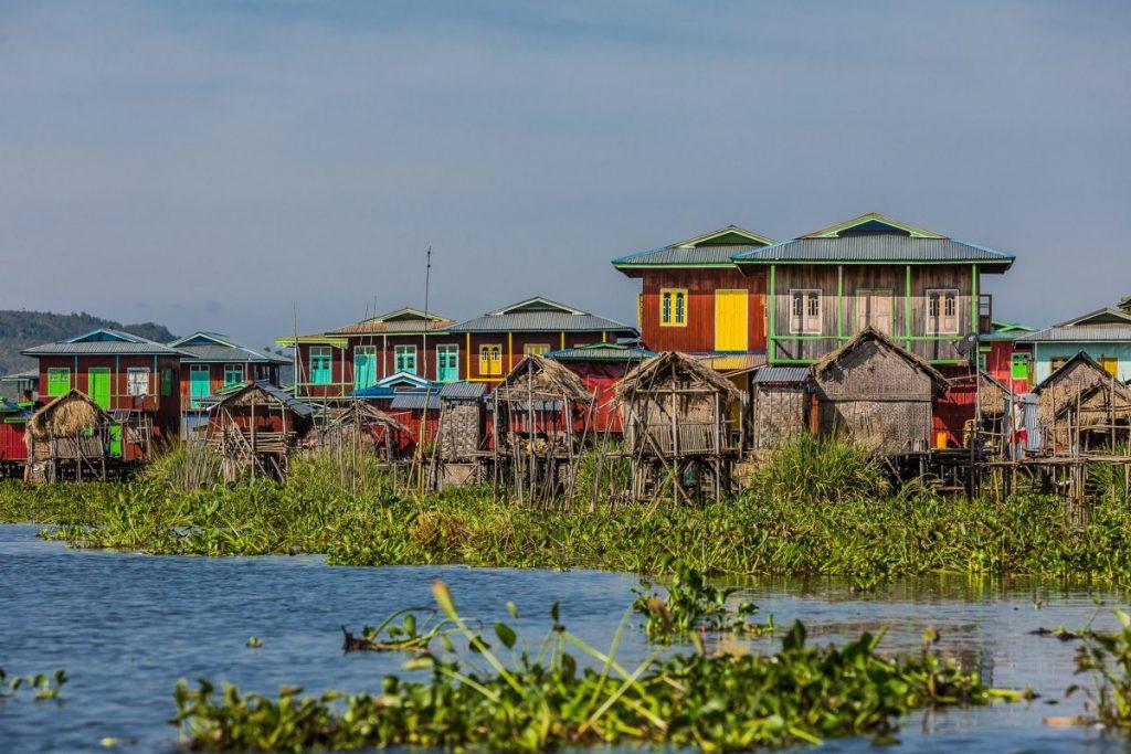stilt houses lake inle nyaungshwe
