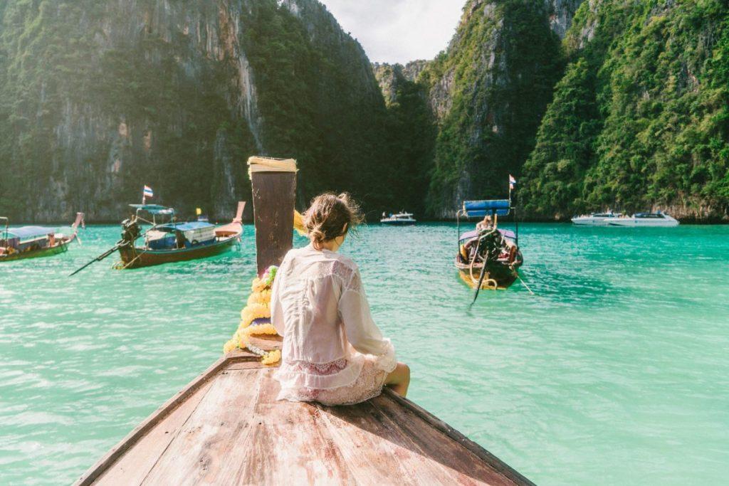 Thailand tourist clothes repectful