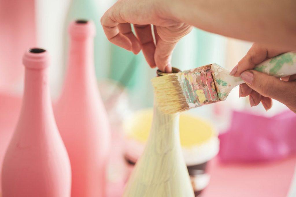paint wine bottle repurpose
