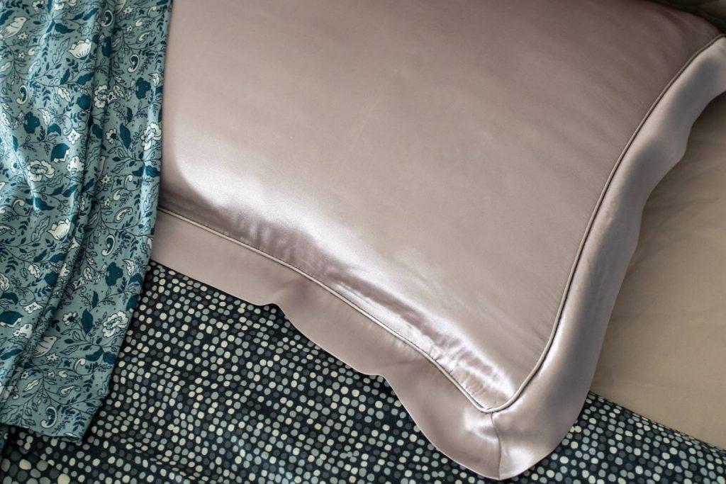 hair benefits silk pillowcases