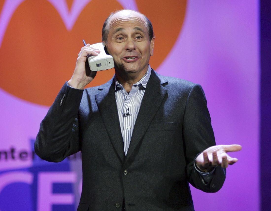 dynatac cellphones