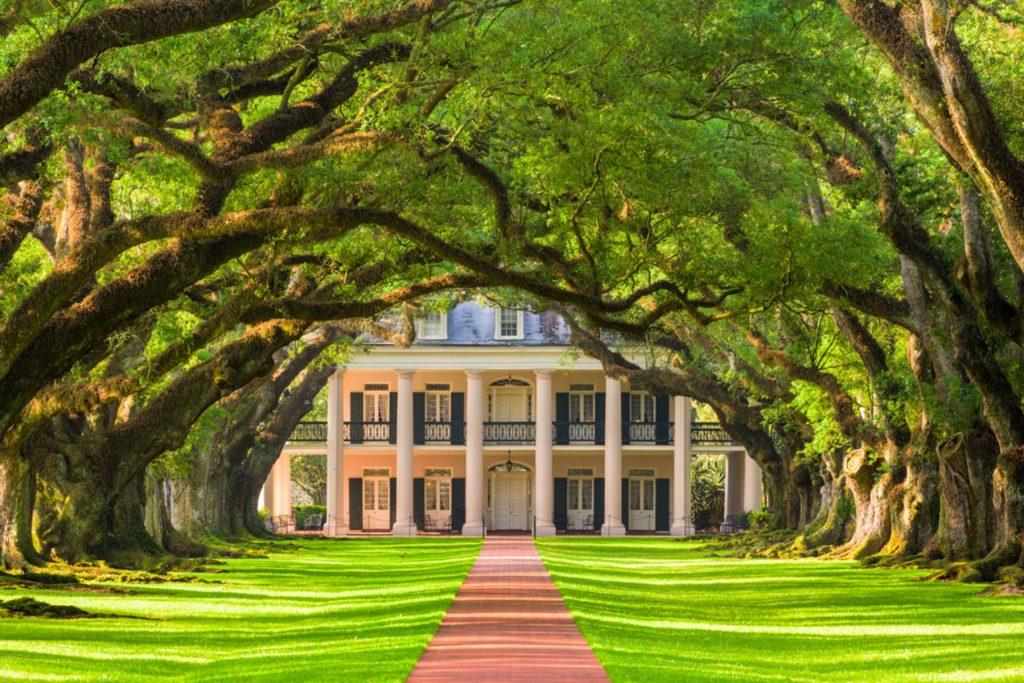 Louisiana. Oak Alley Plantation exterior