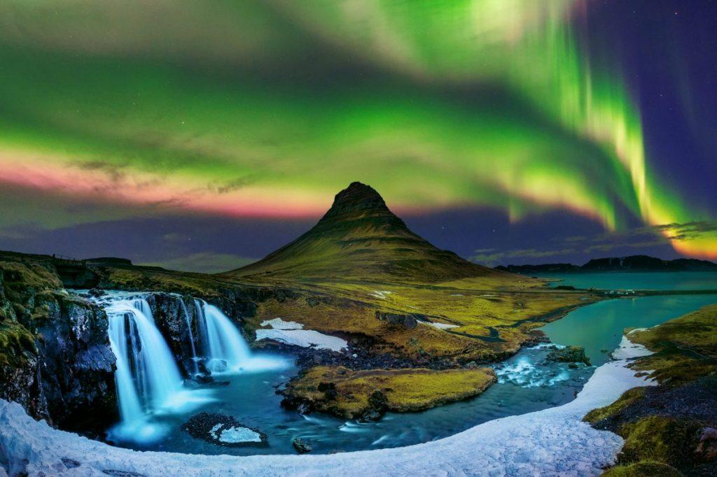 Kirkjufell Iceland mountain northern lights game thrones