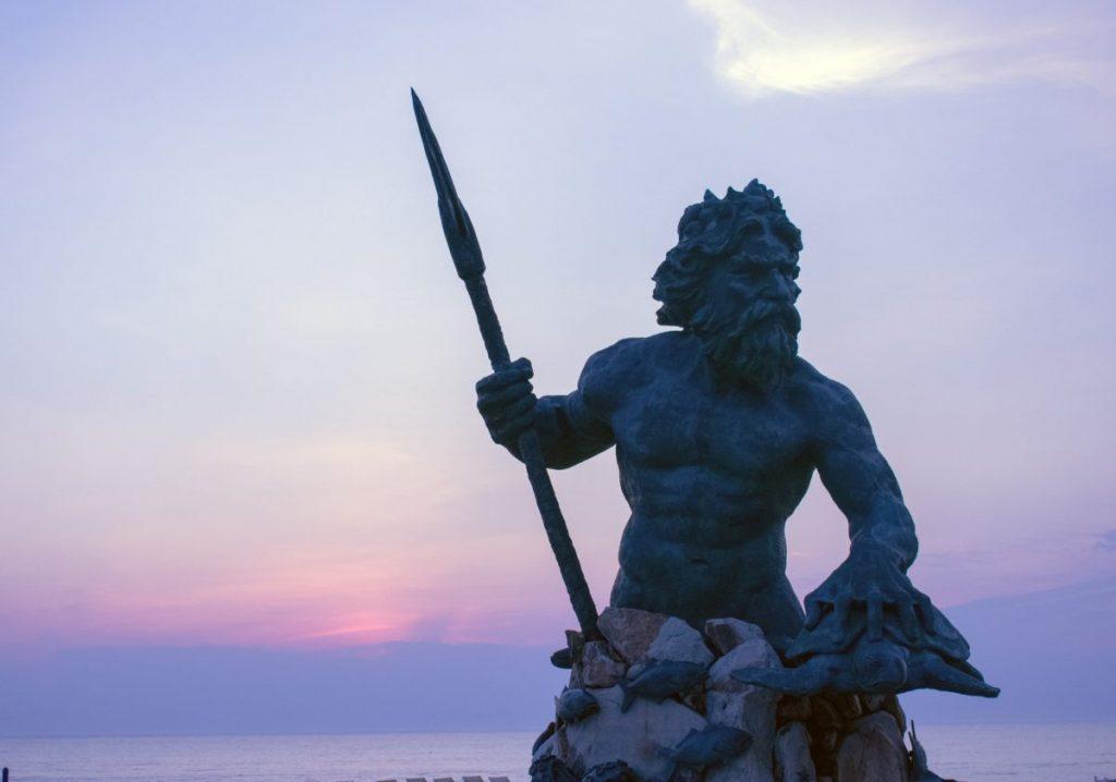 neptune statue guard