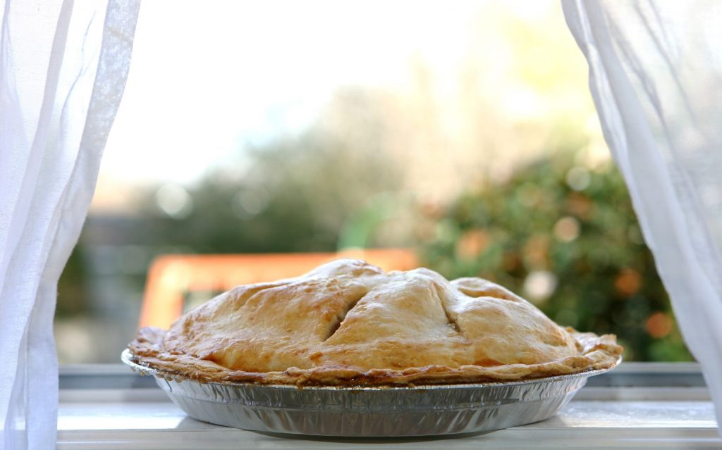 sitting apple pie
