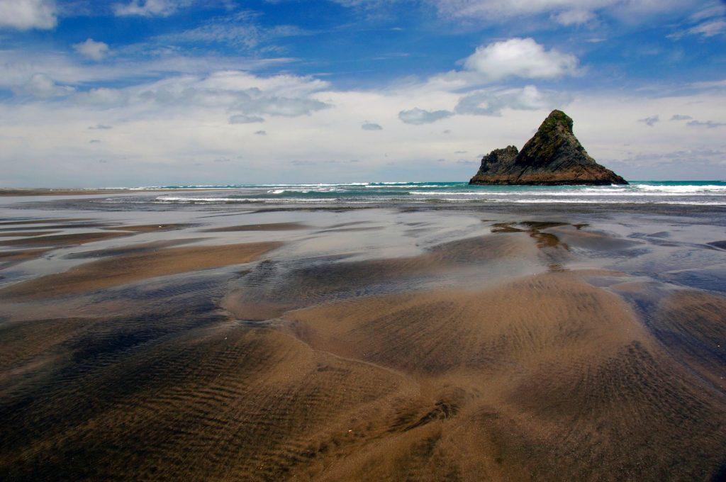 Black sand and rocks, Karekare Beach, New Zealand