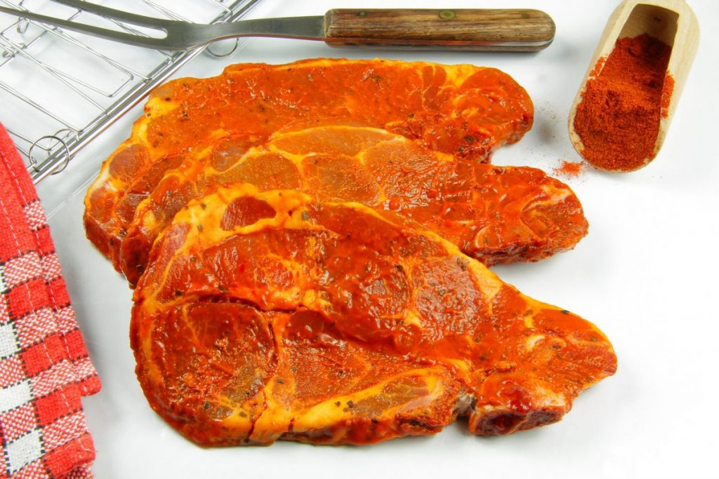 Barbecue-seasoned pork chops
