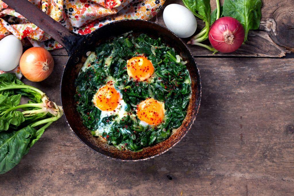 eggs spinach leafy greens