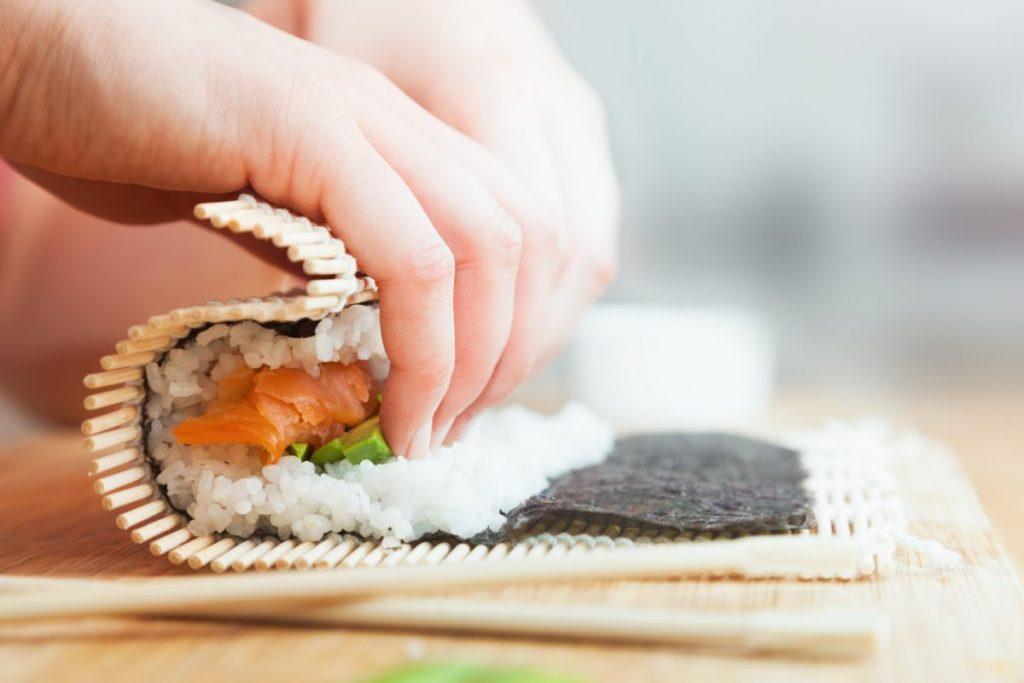 maki sushi roll nori fillings Japanese