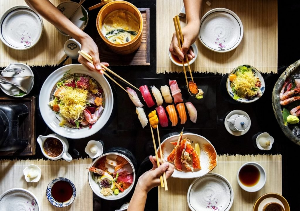 sushi etiquette eating polite Japanese culture