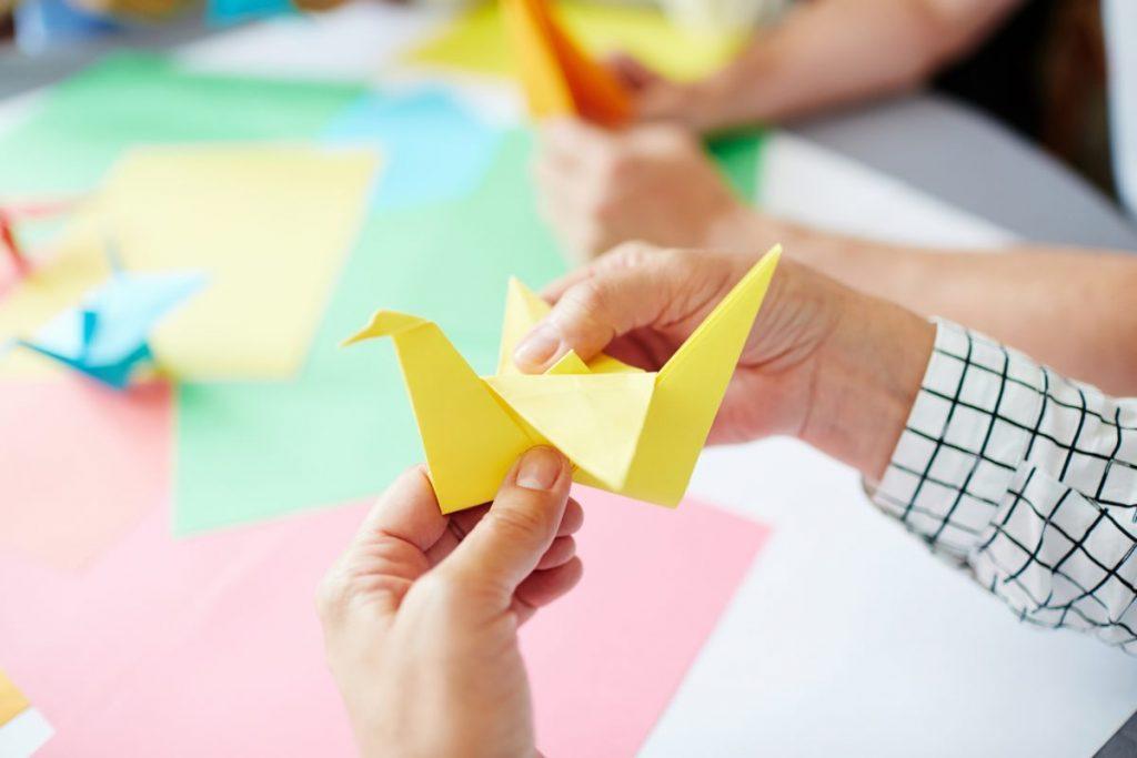 fold flapping crane