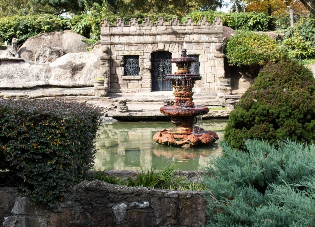 Memorial Park Grotto and tomb