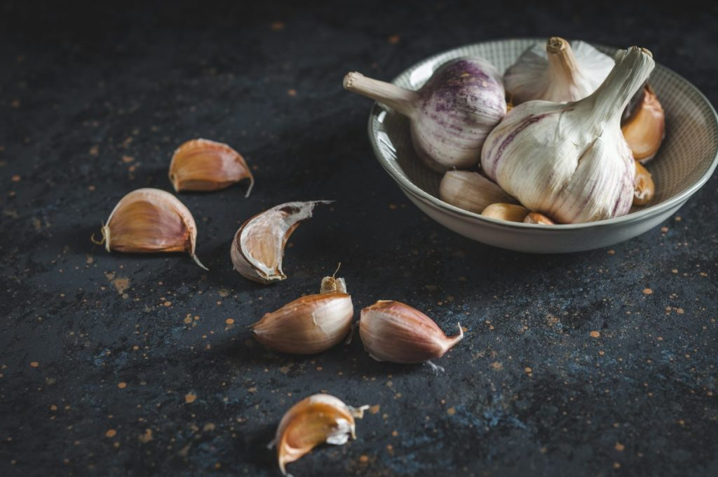 garlic minerals cardiovascular prevent cancer