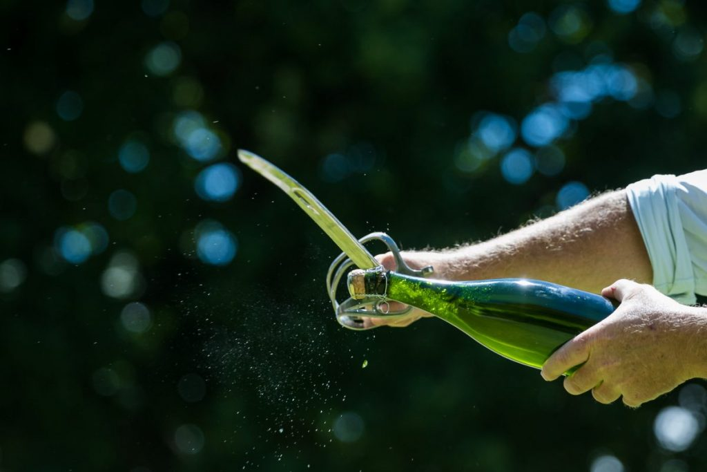 sabrage sword saber champagne