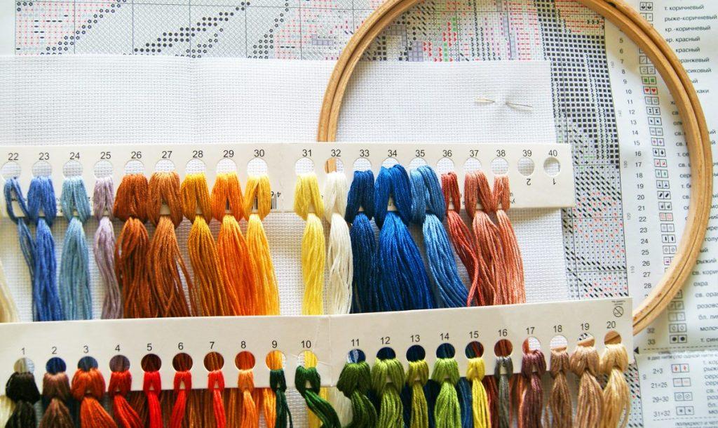 Multicolored threads