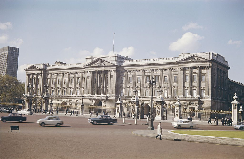 A view of the east wing of Buckingham Palace, London, circa 1960